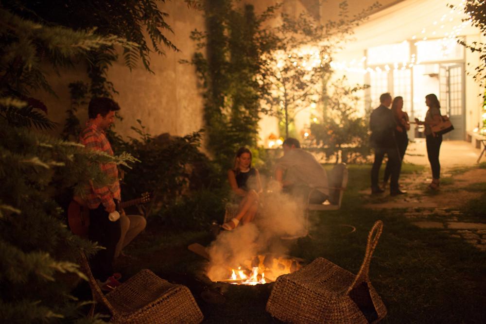 maas building backyard campfire wedding